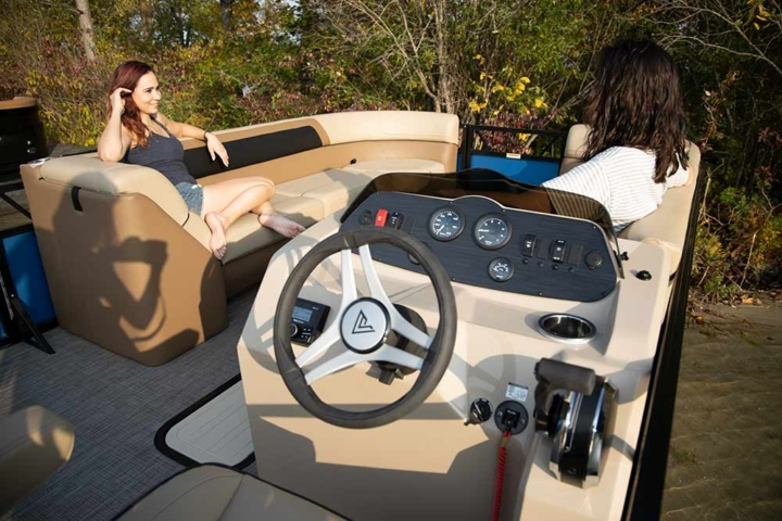 Helm on the 2021 Lago Pontoon Boat | Viaggio by Misty Harbor